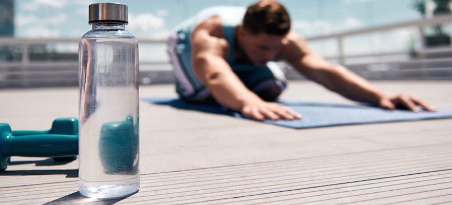 Bien choisir sa bouteille d'eau personnalisée