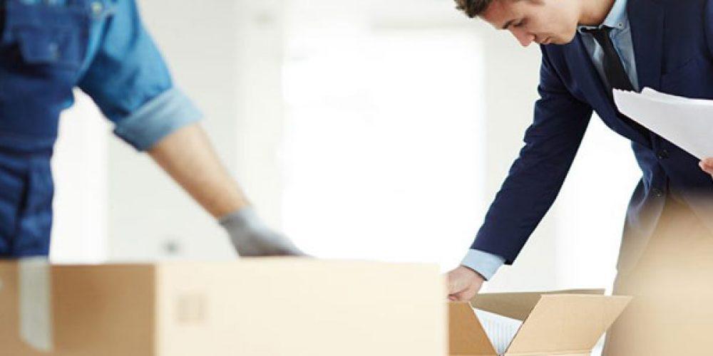Déménager avec ou sans location de garde meuble : que choisir ?