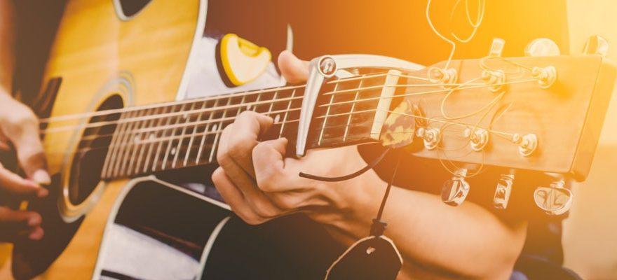Guitares acoustiques – Les meilleurs accordeurs